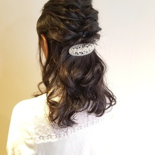 結婚式 フェミニン ヘアアレンジ セミロング ヘアスタイルや髪型の写真・画像