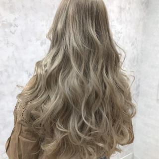 モード ハイトーン グラデーションカラー 金髪 ヘアスタイルや髪型の写真・画像