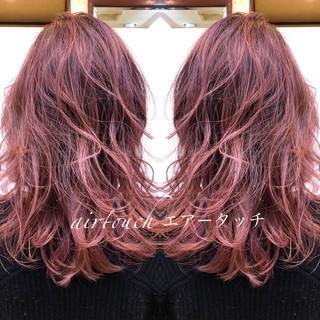 ブリーチカラー バレイヤージュ ガーリー ミディアム ヘアスタイルや髪型の写真・画像