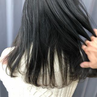 ブルーアッシュ アッシュグラデーション グレージュ ブルージュ ヘアスタイルや髪型の写真・画像