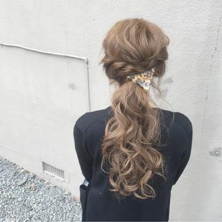 ヘアアクセ ヘアアレンジ ロング ローポニーテール ヘアスタイルや髪型の写真・画像