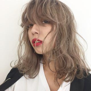 ストリート ハイトーン グラデーションカラー セミロング ヘアスタイルや髪型の写真・画像