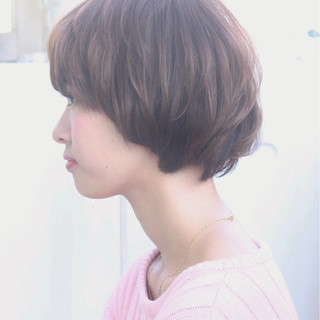 レイヤーカット 大人かわいい ナチュラル フェミニン ヘアスタイルや髪型の写真・画像