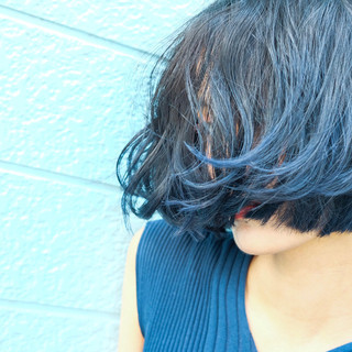 ブルーアッシュ モード ターコイズブルー ボブ ヘアスタイルや髪型の写真・画像