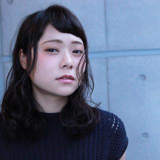 フェミニン リラックス 抜け感 外国人風カラー ヘアスタイルや髪型の写真・画像