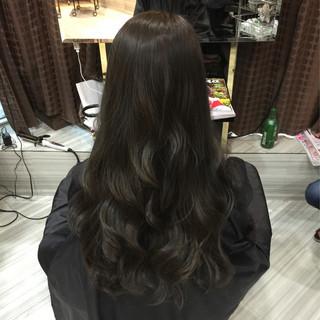 ロング マット アッシュ ウェーブ ヘアスタイルや髪型の写真・画像