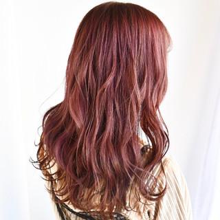 ゆるふわ セミロング ベリーピンク ピンクベージュ ヘアスタイルや髪型の写真・画像