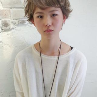 アッシュ ピュア 外国人風 ガーリー ヘアスタイルや髪型の写真・画像