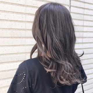グレージュ イルミナカラー アッシュ フェミニン ヘアスタイルや髪型の写真・画像 ヘアスタイルや髪型の写真・画像