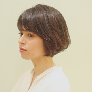 ひし形シルエット ナチュラル ショートヘア パーマ ヘアスタイルや髪型の写真・画像