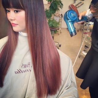 ストリート ロング ダブルカラー ピンク ヘアスタイルや髪型の写真・画像
