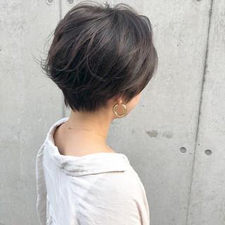 ショートボブ アウトドア デート ショート ヘアスタイルや髪型の写真・画像