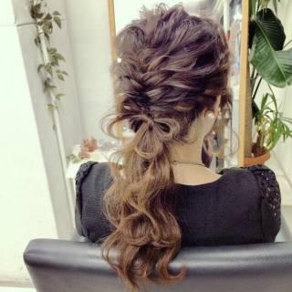 ヘアアレンジ ゆるふわ フィッシュボーン フェミニン ヘアスタイルや髪型の写真・画像 ヘアスタイルや髪型の写真・画像