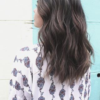 ナチュラル 寒色 ハイライト 3Dハイライト ヘアスタイルや髪型の写真・画像