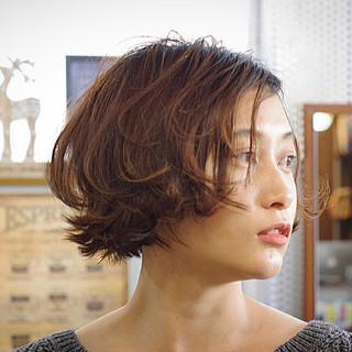 ミニボブ 大人グラボブ 大人ヘアスタイル フェミニン ヘアスタイルや髪型の写真・画像