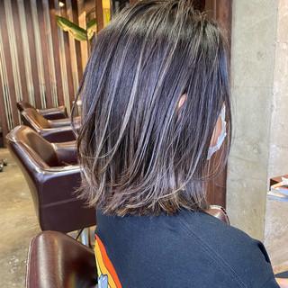 大人ハイライト ショートヘア ナチュラル ボブ ヘアスタイルや髪型の写真・画像