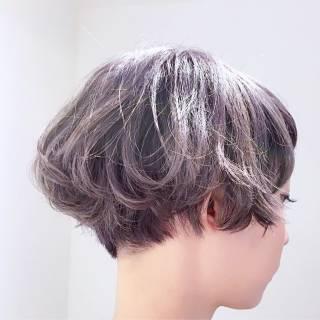 卵型 ハイライト 暗髪 グレー ヘアスタイルや髪型の写真・画像