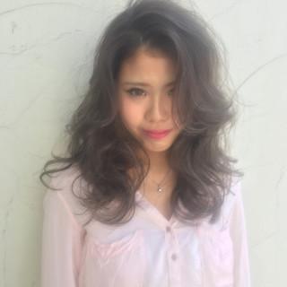 外国人風 セミロング 渋谷系 ハイライト ヘアスタイルや髪型の写真・画像