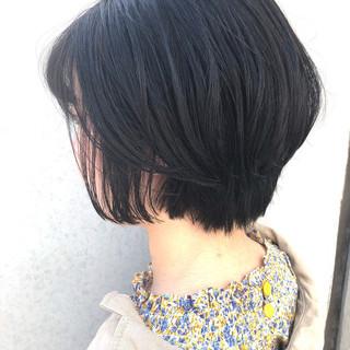 小顔ヘア ナチュラル 女っぽヘア 黒髪ショート ヘアスタイルや髪型の写真・画像