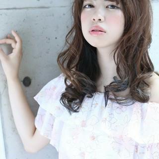 セミロング 渋谷系 グラデーションカラー パーマ ヘアスタイルや髪型の写真・画像