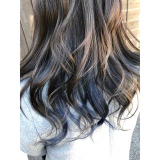 グレージュ モード ブルー セミロング ヘアスタイルや髪型の写真・画像