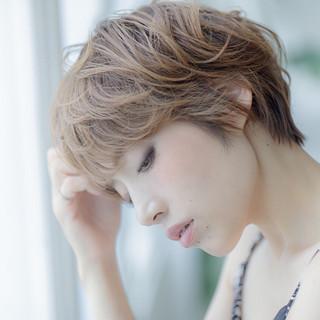 こなれ感 小顔 エレガント 外国人風 ヘアスタイルや髪型の写真・画像 ヘアスタイルや髪型の写真・画像