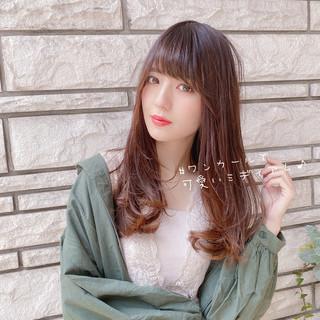 小顔 可愛い ミディアムレイヤー ミディアム ヘアスタイルや髪型の写真・画像