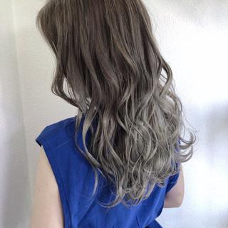 ミディアム 透明感 グレージュ 外国人風カラー ヘアスタイルや髪型の写真・画像