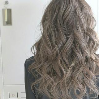 エレガント アッシュグレージュ ロング 上品 ヘアスタイルや髪型の写真・画像