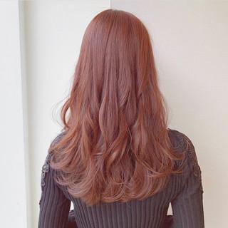 ナチュラル セミロング ラズベリーピンク ピンクブラウン ヘアスタイルや髪型の写真・画像