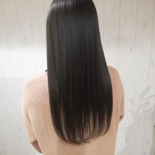 暗髪 アッシュ ナチュラル ダークアッシュ ヘアスタイルや髪型の写真・画像