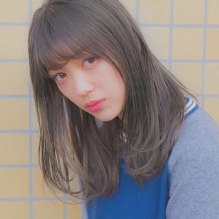 グレージュ パーマ 大人かわいい アンニュイほつれヘア ヘアスタイルや髪型の写真・画像
