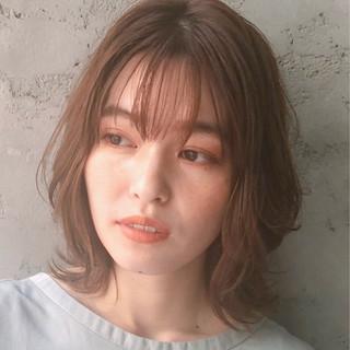 コンサバ ウルフカット アンニュイほつれヘア ミディアム ヘアスタイルや髪型の写真・画像