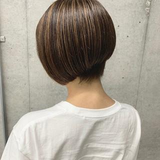 ショートボブ ハイライト モード ボブ ヘアスタイルや髪型の写真・画像