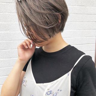 ハンサムショート ショート ナチュラル オフィス ヘアスタイルや髪型の写真・画像