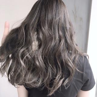 ストリート セミロング ハイライト ウェーブ ヘアスタイルや髪型の写真・画像 ヘアスタイルや髪型の写真・画像