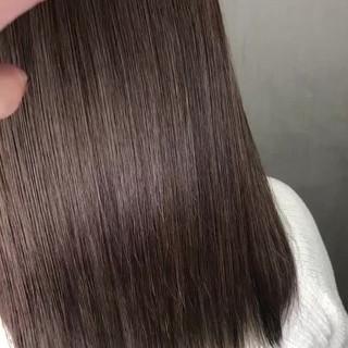 インナーカラー グレージュ セミロング ハイライト ヘアスタイルや髪型の写真・画像 ヘアスタイルや髪型の写真・画像