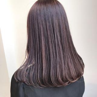 セミロング 大人かわいい ピンクアッシュ 透明感カラー ヘアスタイルや髪型の写真・画像
