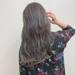 グレージュ ミルクティー ミルクティーベージュ エレガント ヘアスタイルや髪型の写真・画像