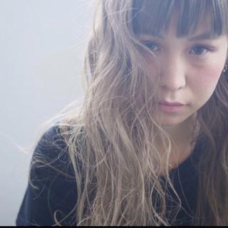 アンニュイ ロング 大人女子 ウェーブ ヘアスタイルや髪型の写真・画像