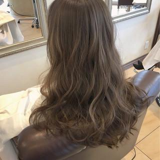 ニュアンス ハイライト ナチュラル ロング ヘアスタイルや髪型の写真・画像 ヘアスタイルや髪型の写真・画像