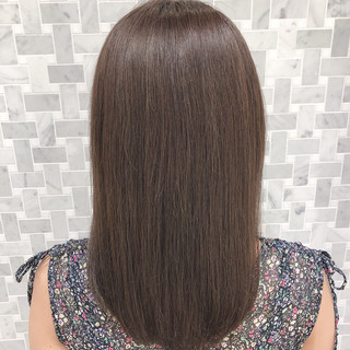 ミディアム アッシュベージュ 大人かわいい デート ヘアスタイルや髪型の写真・画像
