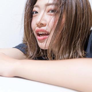 グレージュ ハイライト 外国人風カラー ロブ ヘアスタイルや髪型の写真・画像