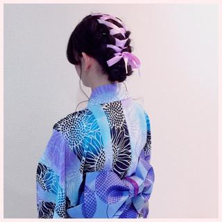 セミロング 成人式 ガーリー アウトドア ヘアスタイルや髪型の写真・画像