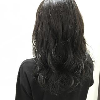 モード セミロング アッシュブラック 暗髪 ヘアスタイルや髪型の写真・画像 ヘアスタイルや髪型の写真・画像