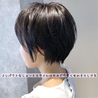 ナチュラル 小顔 大人かわいい ストレート ヘアスタイルや髪型の写真・画像