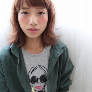 色気 ボブ ワイドバング ストリート ヘアスタイルや髪型の写真・画像