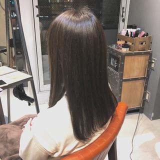 セミロング ツヤ ナチュラル グレージュ ヘアスタイルや髪型の写真・画像 ヘアスタイルや髪型の写真・画像