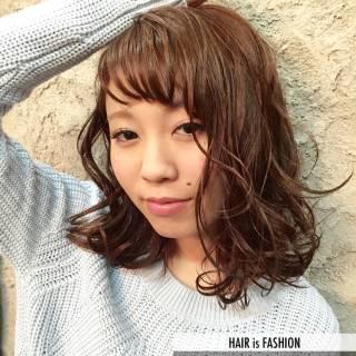 ストレート ミディアム モード ウェットヘア ヘアスタイルや髪型の写真・画像