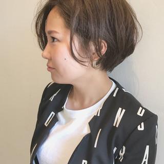 ショート 外国人風 ナチュラル パーマ ヘアスタイルや髪型の写真・画像